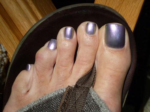 silver-purple pedi