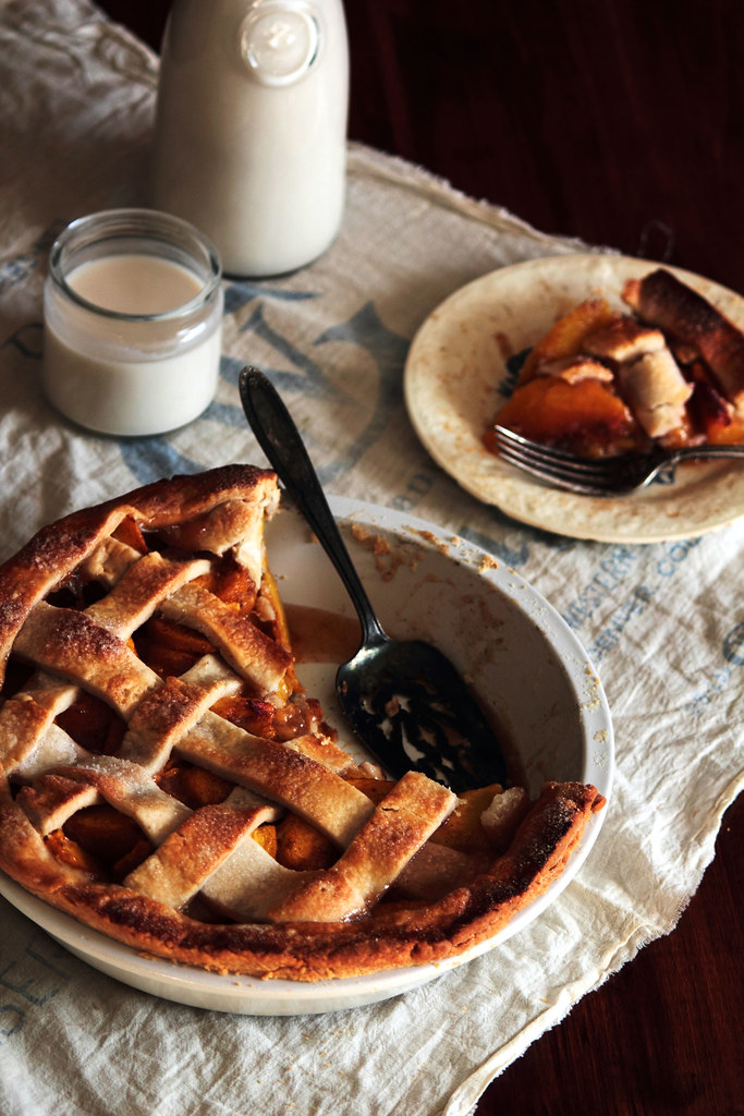 Vanilla Cardamom Peach Pie