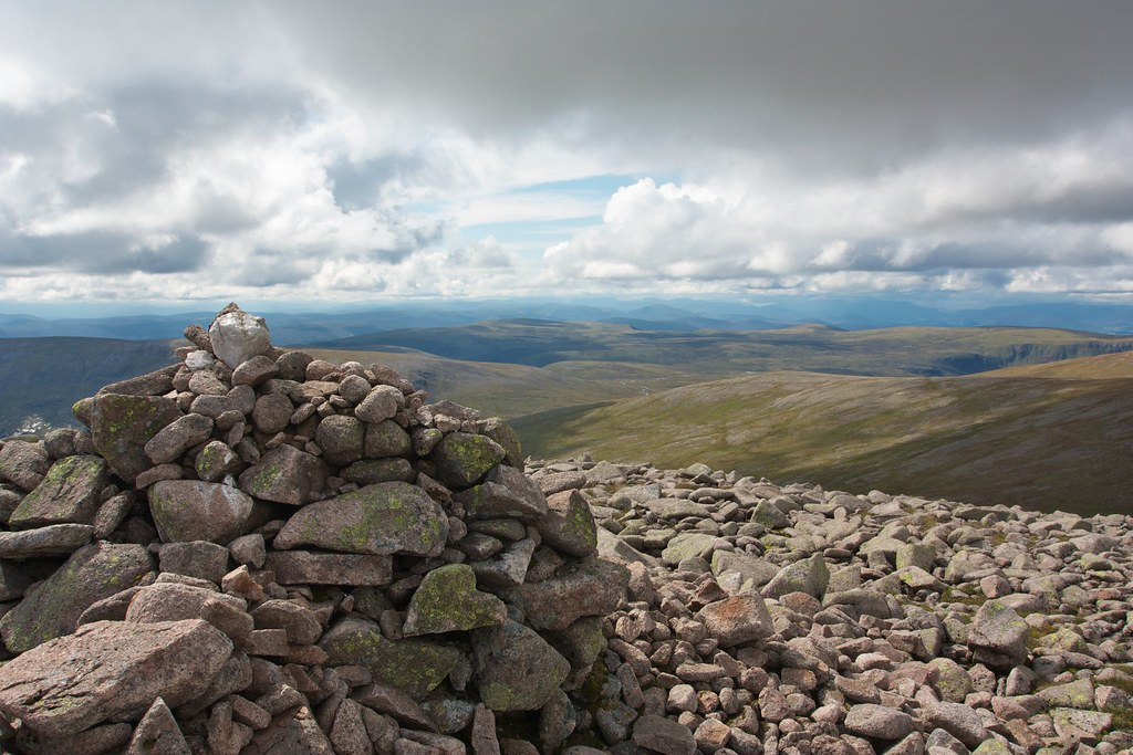 West from Cairn Toul's cairn