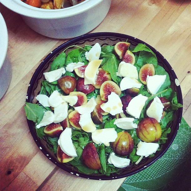 Mmmm... Spinach, fig and goat cheese salad.