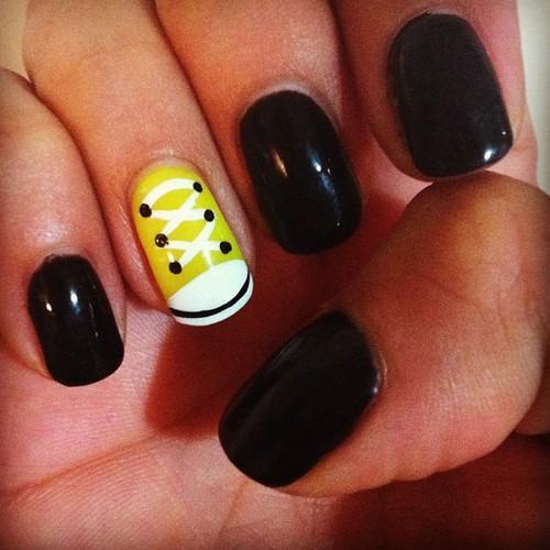 kortiza: Encuentra el converse #nails (Tomada con Instagram)