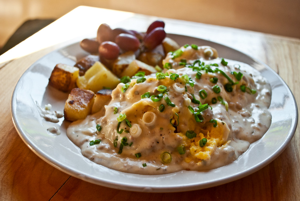 Luckys Biscuit Sausage Gravy