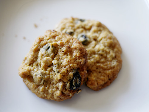 09-19 oatmeal raisin cookies