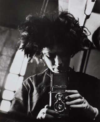 Self-Portrait-1931-by-Eva-Besnyo-320