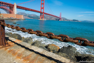 chain and the golden gate bridge