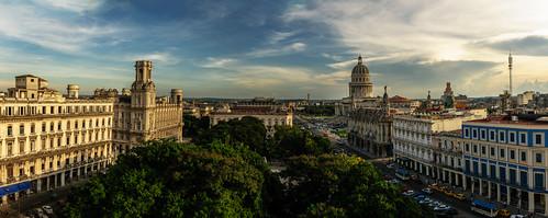 Me voy al Capitolio, La Habana, Cuba. by Rey Cuba