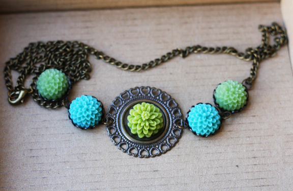Filigree cabachon necklace