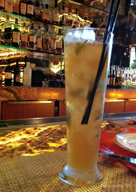 "The ""peach palmer"" at T-Bones Chophouse and Lounge"