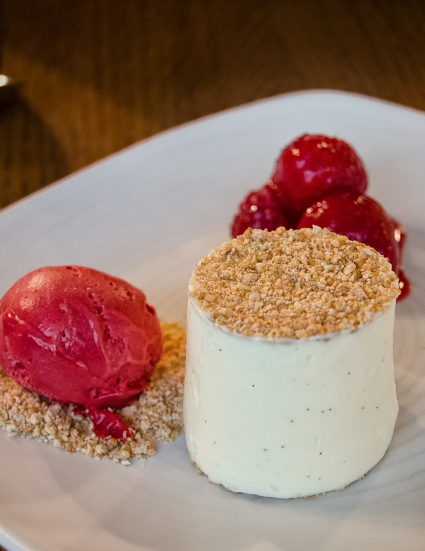 Vanilla cheesecake with crunchy oats and Raspberry sorbet @ Bread Street Kitchen - London