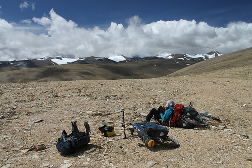 Sunbathing on the Kozur La (5,626m)