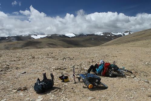 Sunbathing on the Kozur La (5,626m)