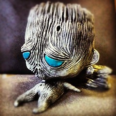 Here's the @_myplasticheart exclusive Sapling, debuting Friday at #NYCC @ 1pm, ltd quantities avail.  #art #sculpture #resin #jryu #gentlemanghost #designertoy #planter #sculptlife #myplasticheart