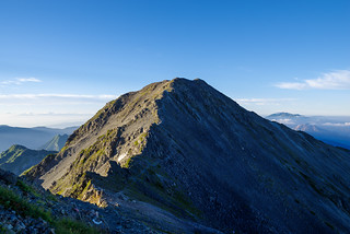 飛騨乗越へ下って大喰岳へ登り返す