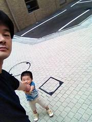朝散歩 とらちゃん引っ張る (2012/8/29)