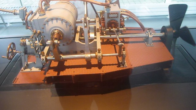 Uss Monitor Engine : Model of steam engine uss monitor flickr photo sharing
