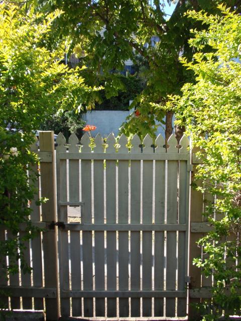 Anna's gate