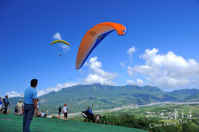 DAO-42019 台東鹿野高台 鹿野高台 鹿野高台熱氣球區 鹿野高台飛行場 高台飛行傘區 飛行傘的故鄉