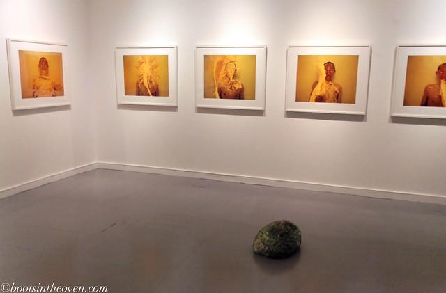 lee wen 李文 in yellow
