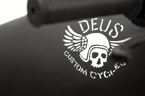 Deus Ex Machina - Le Gicleur Noire