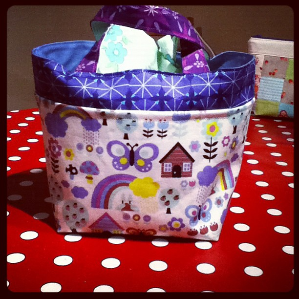 great bento box lunch bag tutorial on ayumi 39 s pink penguin. Black Bedroom Furniture Sets. Home Design Ideas