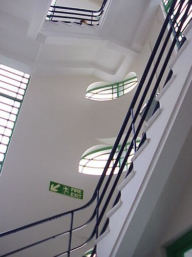 sidesSIde Staircase, Hoover Buildingtair01