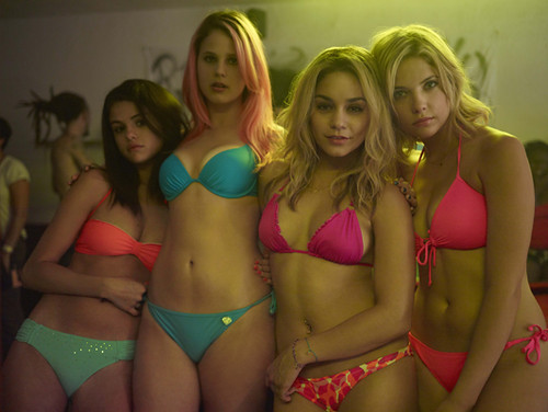webdice_Spring_Breakers_main