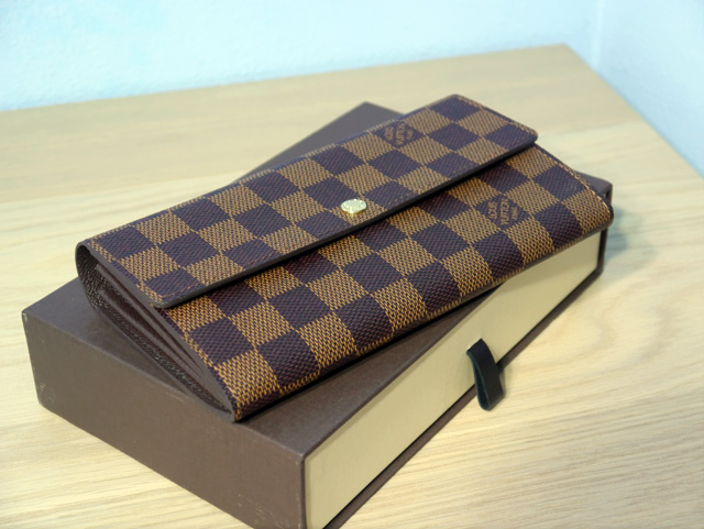 lv wallet full view