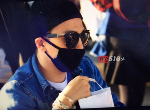 Big Bang - Incheon Airport - 10apr2015 - Tae Yang - YB 518 - 02