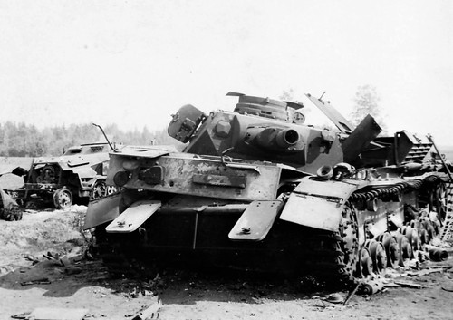 German tank Pz. Kpfw. IV Ausf C & armoured personnel carrier SD.Kfz. 251 in France 1944