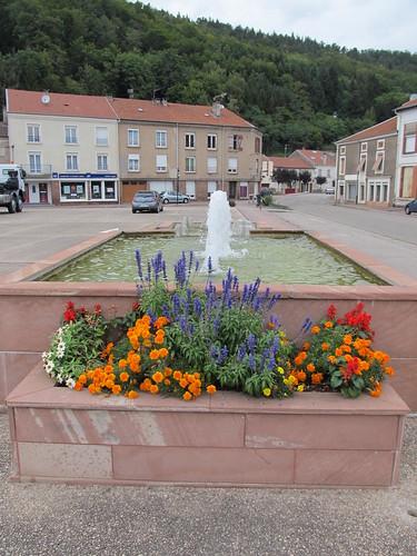 fontaine et monument raon l'etape 070