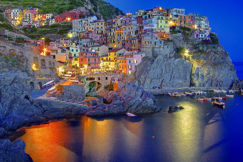 I colori della notte / The colors of the night (Manarola, Liguria, Italy)