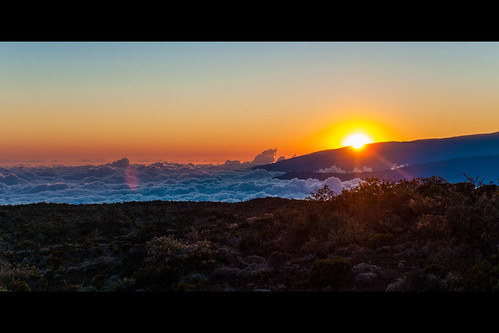 sunset sky cloud sun mountain nature night montagne soleil lumière olympus ciel nuage zuiko coucherdesoleil e510 mygearandme
