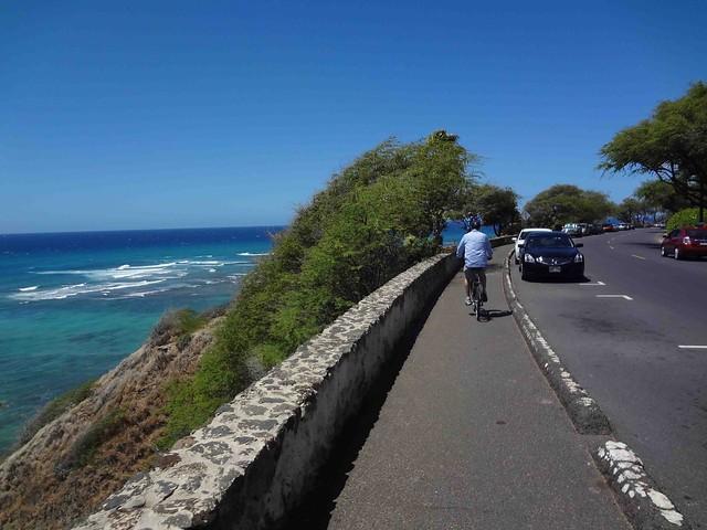 Biking in Waikiki3