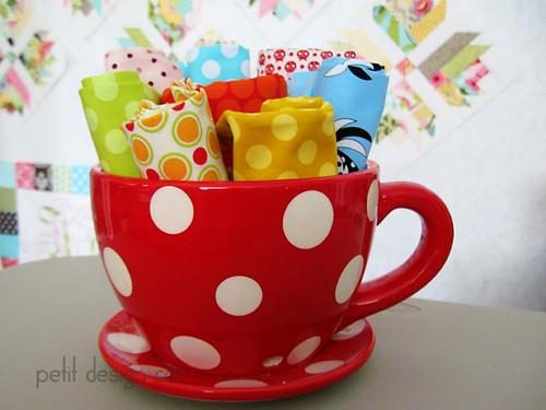 dots_teacup