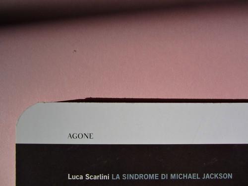Luca Scarlini, La sindrome di Michael Jackson. Bambini, prodigi, traum. Bompiani 2012. Copertina: Paola Bertuzzi; progetto grafico: Poljstudio. Quarta di copertina (part.), 3