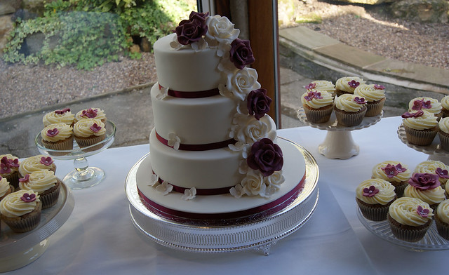 cakes for weddings wedding cake amp cupcakes cascade wedding cake in 2372