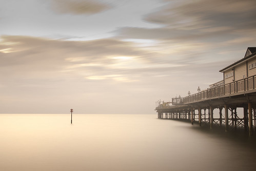uk sea england 30 clouds sunrise pier seaside big long exposure 10 stop devon filter stopper teignmouth