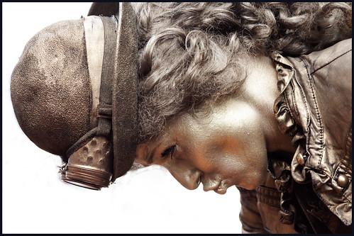 levend standbeeld (6) by hans van egdom