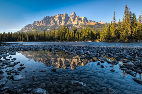 travel sunset mountain canada reflection nature water canon river landscape rockies rocks nopeople alberta banff hdr bowriver cpl redmountain banffnationalpark 加拿大 1635mm 洛磯山脈 湖景 ndx8 班夫國家公園 castlemountian 旅遊攝影 バンフ国立公園 canoneos5dmarkiii canon5dmarkiii キャッスルマウンテン