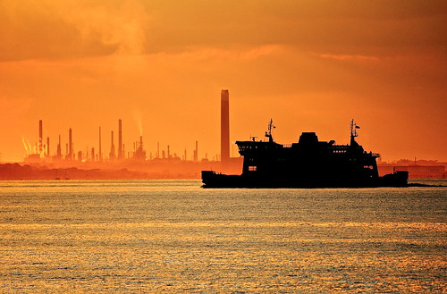 uk sunset summer holidays tramonto estate isleofwight wightlink portsmouth refinery regnounito wight vacanze fishbourne ryde fawley raffineria canoneos60 fawleyrefinery andreapucci tamron70300f456vcusd