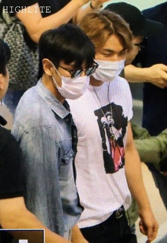 BIGBANG wout Seungri departure Seoul to Tokyo 2016-08-26 (26)