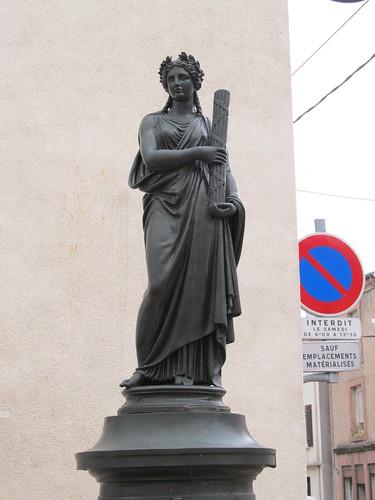 fontaine et monument raon l'etape 028