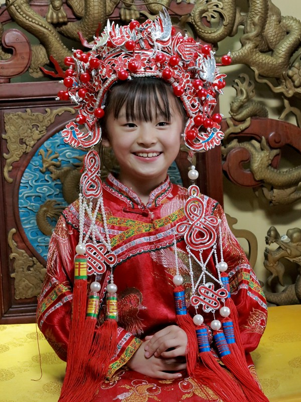 Petite fille chinoise en costume