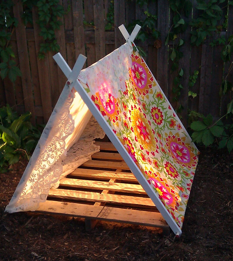 Maize hutton the monday maize likey list diy tents edition for Dog tipi diy