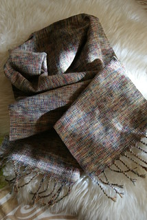 hand_woven_scarf_2