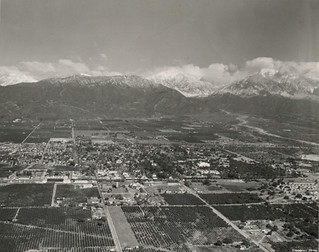 Aerial view of Pomona College in 1948