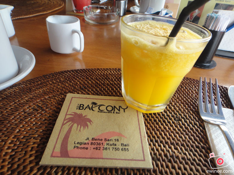 BALCONY-RESTAURANT-AND-BAR-BENESARI-KUTA-BALI-orange