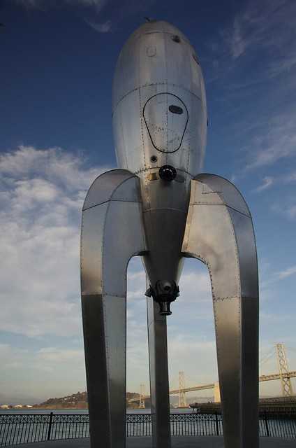 40 ft Raygun Retro Rocket ship art - Pier 14, Ferry Wharf, San Francisco