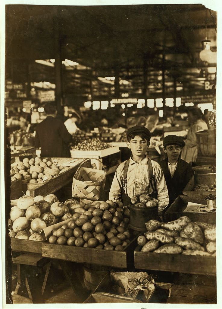 Fruit Venders, Indianapolis Market, aug., 1908. Wit., E. N. Clopper. Location: Indianapolis, Indiana.