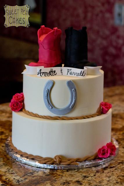 Horseshoe Wedding Cake Stand